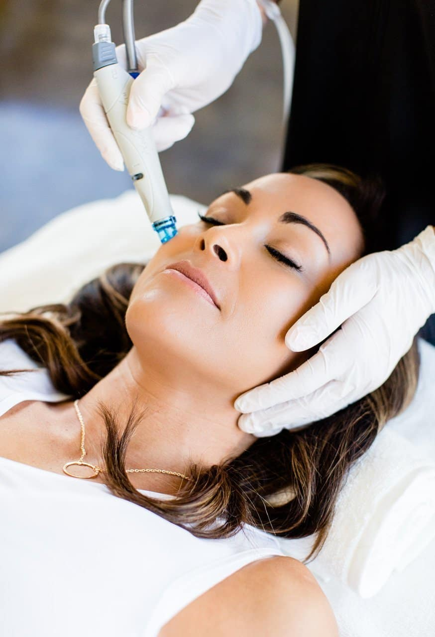 Female Treatment Hydrafacial